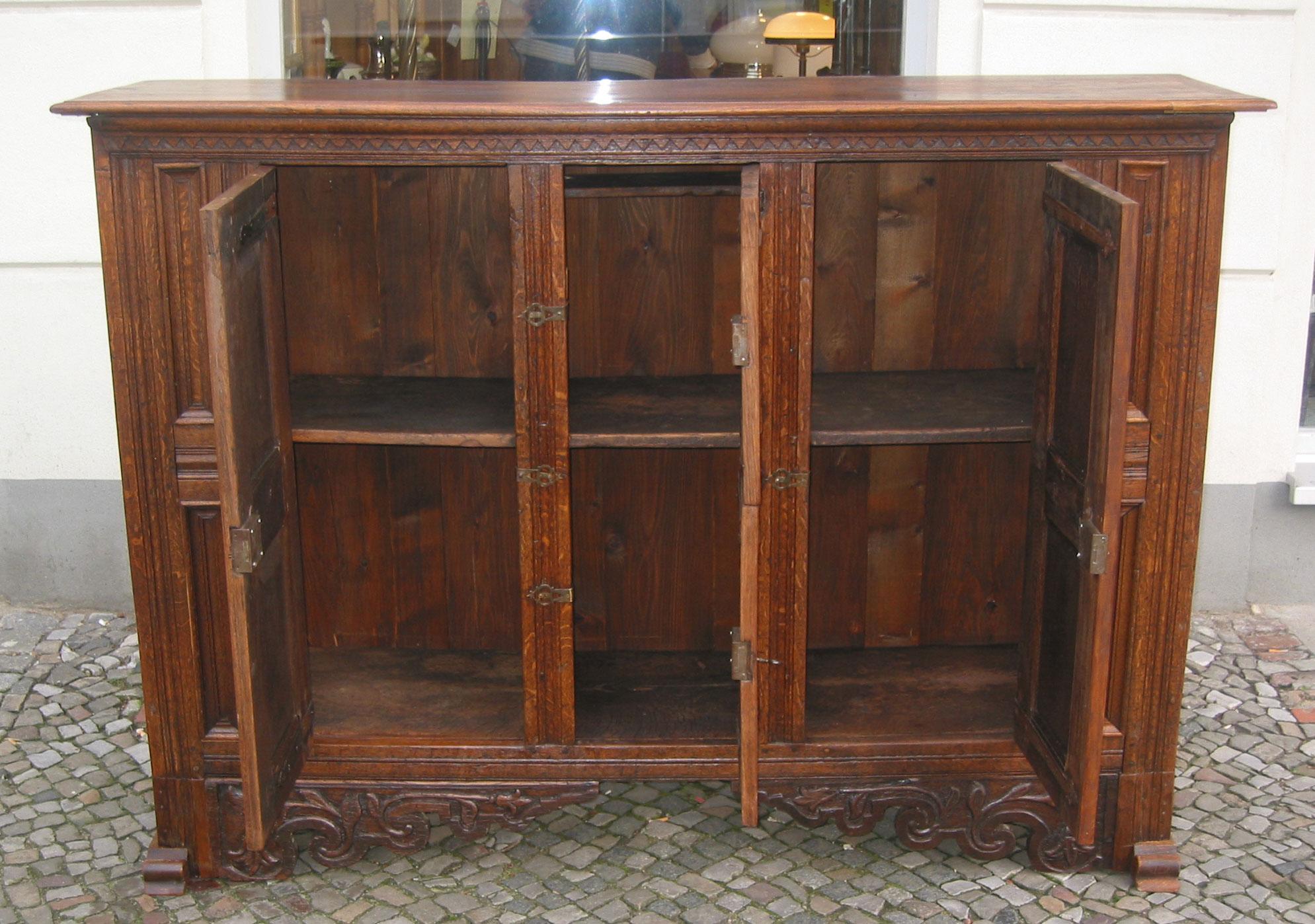 barock sideboard simple wunderschn barocke kommode gebraucht barock sideboard kommode intarsien. Black Bedroom Furniture Sets. Home Design Ideas