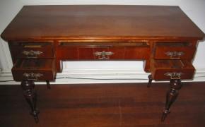 Schreibtisch aus der Gründerzeit