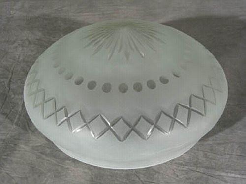 Kuppelschirm mit Stern und Kreuzschliff (30 cm)