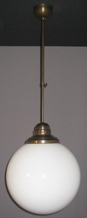 Deckenpendel Bauhaus brüniert Opalkugel Ø 35 cm
