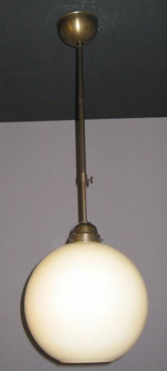 Deckenpendel brüniert mit beigefarbenen Kugelglas Ø 30 cm