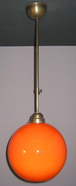 Deckenpendel brüniert mit orangefarbenen Kugelglas Ø 25 cm