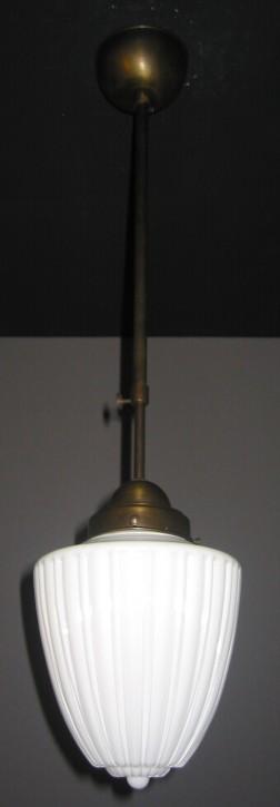 Deckenpendel Bauhaus brüniert geriefter Glasschirm Ø 17 cm