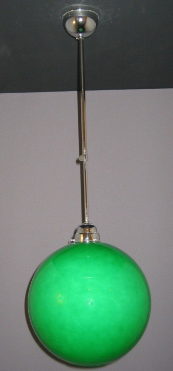 Deckenpendel brüniert mit grünfarbenen Kugelglas Ø 30 cm