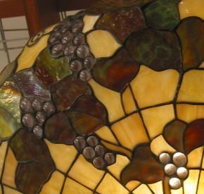 Tiffany Deckenleuchte mit Traubenmotiv